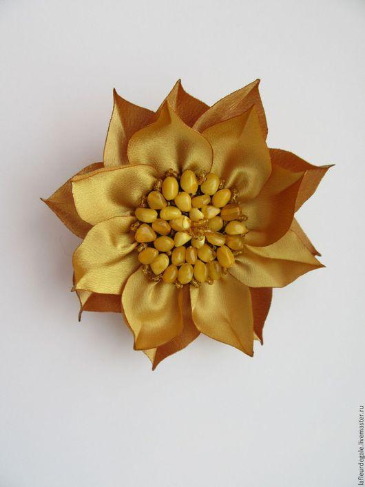 """Броши ручной работы. Ярмарка Мастеров - ручная работа. Купить Подсолнух """"Белый Янтарь"""" (Sunflower """"White Amber""""). Handmade. Золотой"""