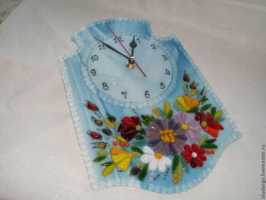 """Часы для дома ручной работы. Ярмарка Мастеров - ручная работа. Купить Настенные часики (фьюзинг)  """"Цветы на воде"""". Handmade. Голубой"""