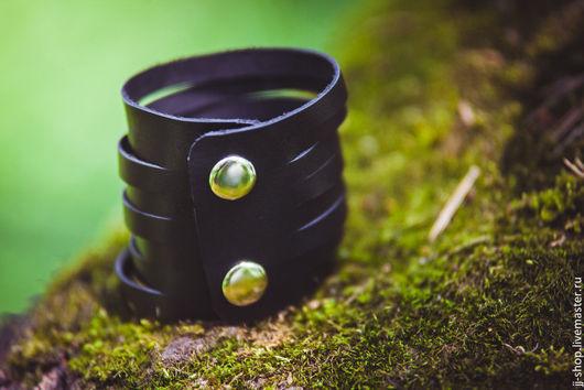 Браслеты ручной работы. Ярмарка Мастеров - ручная работа. Купить Чёрный Кожаный браслет  (Indiana Cuff). Handmade. Черный