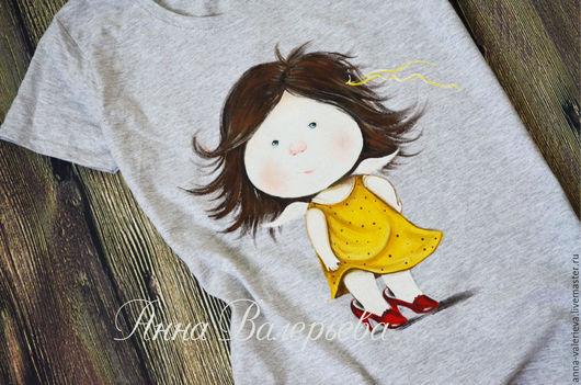 Футболки, майки ручной работы. Ярмарка Мастеров - ручная работа. Купить Женская футболка с ручной росписью Девочка в желтом платье. Handmade.
