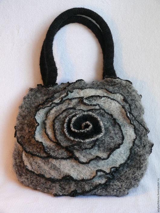Женские сумки ручной работы. Ярмарка Мастеров - ручная работа. Купить Сумочка из валяного трикотажа Роза в оттенках серого. Handmade.