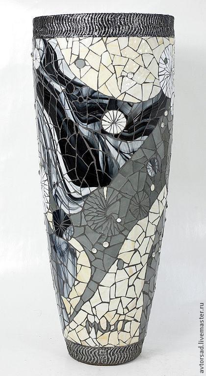 Эксклюзивная ваза для цветов.