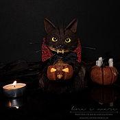 """Сувениры ручной работы. Ярмарка Мастеров - ручная работа Интерьерная игрушка """"Хэллоуинский кот со светящейся тыквой"""".. Handmade."""