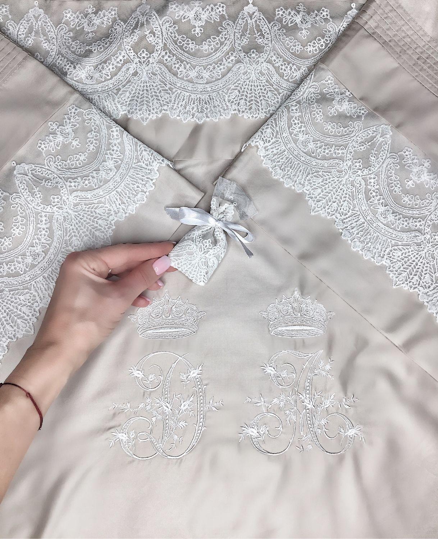 Подарки на свадьбу ручной работы. Ярмарка Мастеров - ручная работа. Купить Подарок на свадьбу. Постельное белье с кружевом и вышивкой инициалов. Handmade.