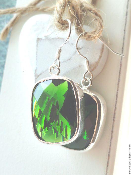 Серьги ручной работы. Ярмарка Мастеров - ручная работа. Купить Серьги с большим камнем серебро - хвойно-зеленый топаз. Handmade.