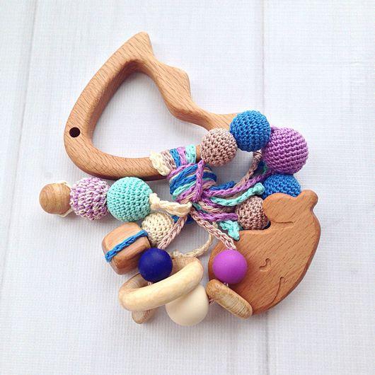 Развивающие игрушки ручной работы. Ярмарка Мастеров - ручная работа. Купить Буковый грызунок Рыбка с разными подвесками-погремушками. Handmade.