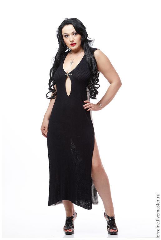 Черно-белое вязанное платье