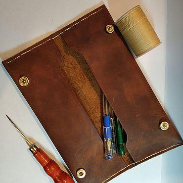 Канцелярские товары ручной работы. Ярмарка Мастеров - ручная работа Пенал из кожи. Handmade.