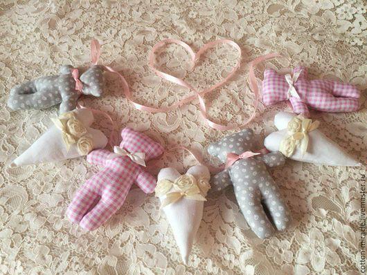 Детская ручной работы. Ярмарка Мастеров - ручная работа. Купить Гирлянда из мишек и сердечек. Handmade. Бледно-розовый, мишки, хлопок