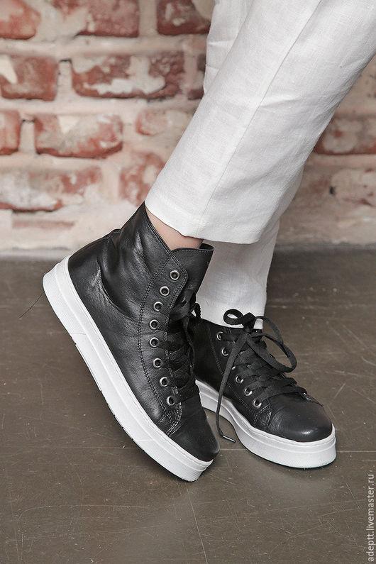 Обувь ручной работы. Ярмарка Мастеров - ручная работа. Купить Черные Кроссовки. Handmade. Кроссовки, черные туфли, обувь на заказ