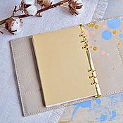 Кожаный бежевый ежедневник-органайзер А5 с ручной росписью акрилом