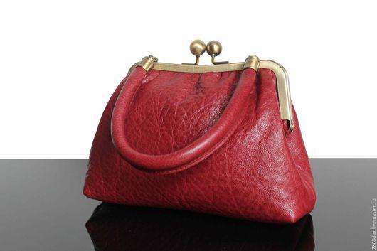 Женские сумки ручной работы. Ярмарка Мастеров - ручная работа. Купить Кожаная Сумочка, брусничный, сумочка на выход, сумка кожа. Handmade.