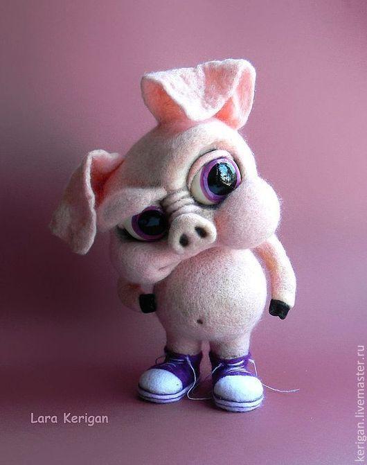Игрушки животные, ручной работы. Ярмарка Мастеров - ручная работа. Купить Свинья в кедах. Handmade. Кремовый, плохой парень