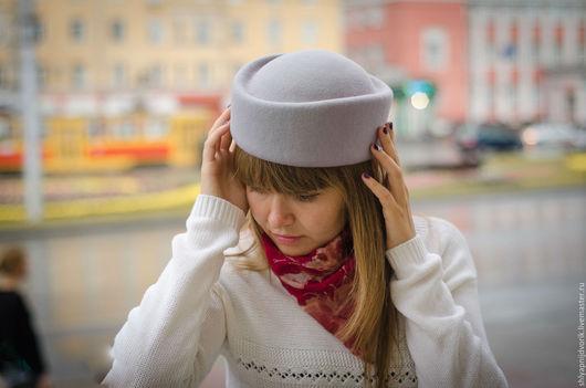 Шляпы ручной работы. Ярмарка Мастеров - ручная работа. Купить Фетровая шляпка пилотка классическая, цвет светло-серый.. Handmade.