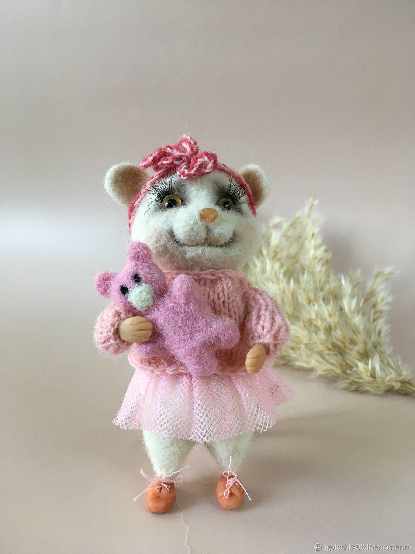 белая мышка с игрушкой , валяная игрушка, Войлочная игрушка, Самара,  Фото №1