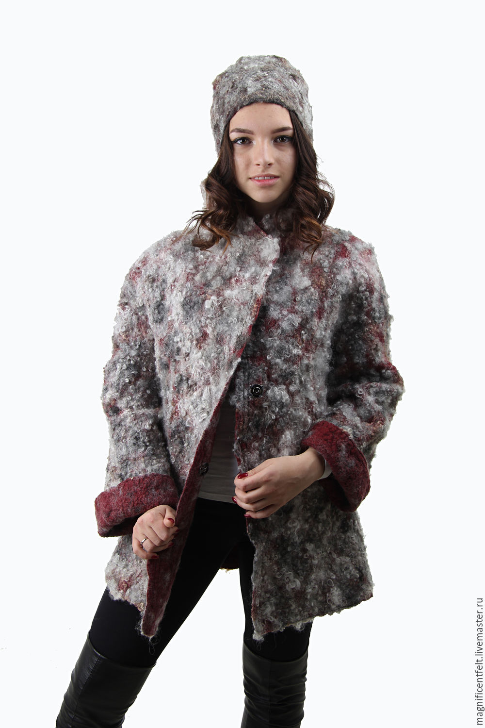 Pea jacket felt `All` ultima moda`.  Original, bold, warm. Comfortable for fall, in the winter to-5 degrees. Eco - fur. As it is used sheared different breeds of sheep (Gotland, Romney, Lincoln).