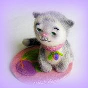 Куклы и игрушки ручной работы. Ярмарка Мастеров - ручная работа котенок войлочный Сливка. Handmade.