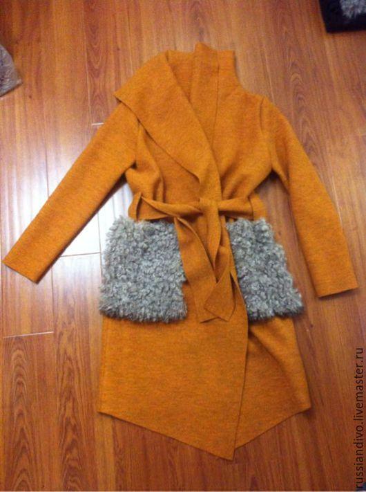 """Верхняя одежда ручной работы. Ярмарка Мастеров - ручная работа. Купить Горчичное """"пальто-халат"""" с меховыми карманами. Handmade."""