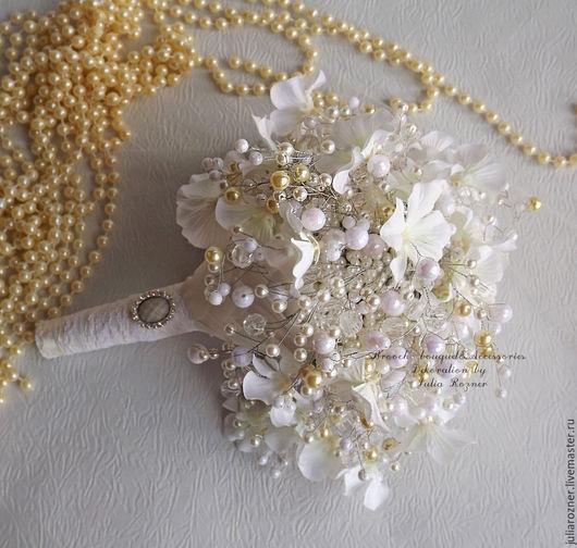 Свадебные цветы ручной работы. Ярмарка Мастеров - ручная работа. Купить Свадебный брошь букет невесты из бусин. Handmade.