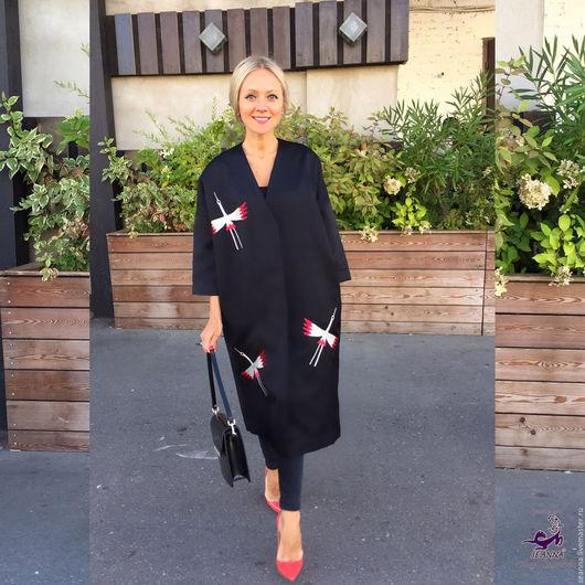 """Верхняя одежда ручной работы. Ярмарка Мастеров - ручная работа. Купить Вышивка на пальто-кимоно в японском стиле """"Журавлики"""". Handmade."""