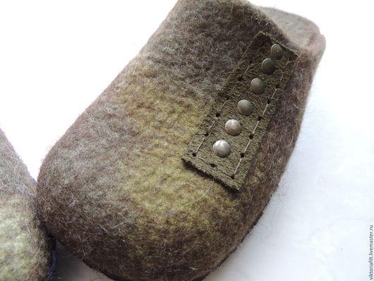 Обувь ручной работы. Ярмарка Мастеров - ручная работа. Купить Валяные тапочки мужские. Handmade. Хаки, тапочки мужские валяные