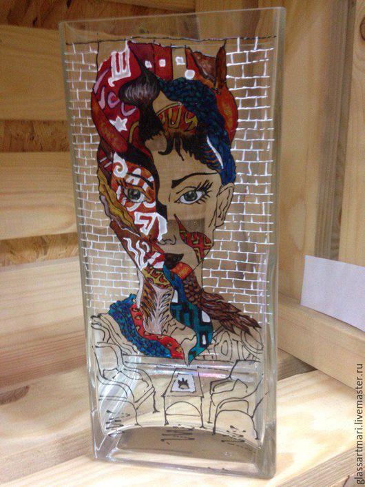 Вазы ручной работы. Ярмарка Мастеров - ручная работа. Купить Ваза стеклянная декоративная, витражная роспись, Граффити. Handmade. Комбинированный