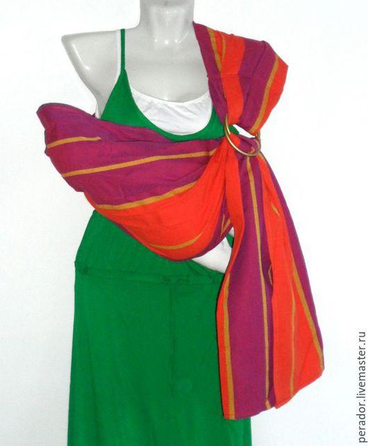Слинг из шарфовой ткани двойного диагонального плетения с литыми алюминиевыми кольцами золотого цвета