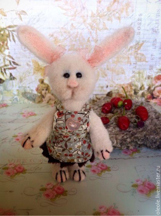 Коллекционные куклы ручной работы. Ярмарка Мастеров - ручная работа. Купить Маменькина дочка-войлочная Зая. Handmade. Зайка