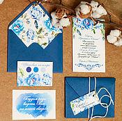 Свадебный салон ручной работы. Ярмарка Мастеров - ручная работа Синие цветы - приглашения на свадьбу с цветами в конверте. Handmade.