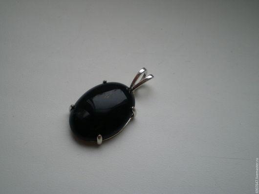 Серебряный кулон с черным агатом 925 пробы