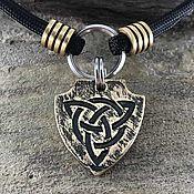 Зоотовары handmade. Livemaster - original item Medallion in the form of a shield with a Celtic knot. Handmade.