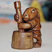 """Для дома и интерьера ручной работы. Ярмарка Мастеров - ручная работа резная из дерева фигурка """"Лунный кролик"""". Handmade."""