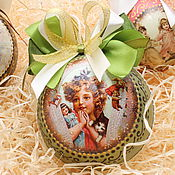 Подарки к праздникам ручной работы. Ярмарка Мастеров - ручная работа Шар елочный декупаж. Handmade.
