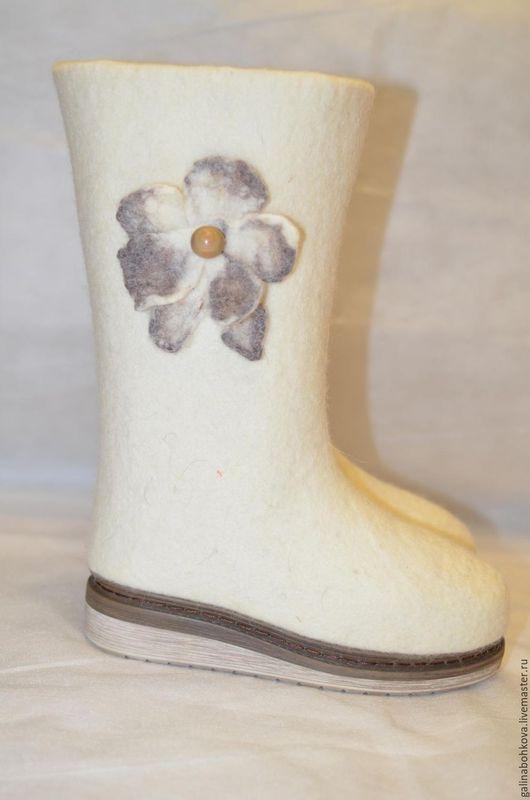 """Обувь ручной работы. Ярмарка Мастеров - ручная работа. Купить Валенки женские """"Цветочки"""". Handmade. Белый, шерсть 100%"""