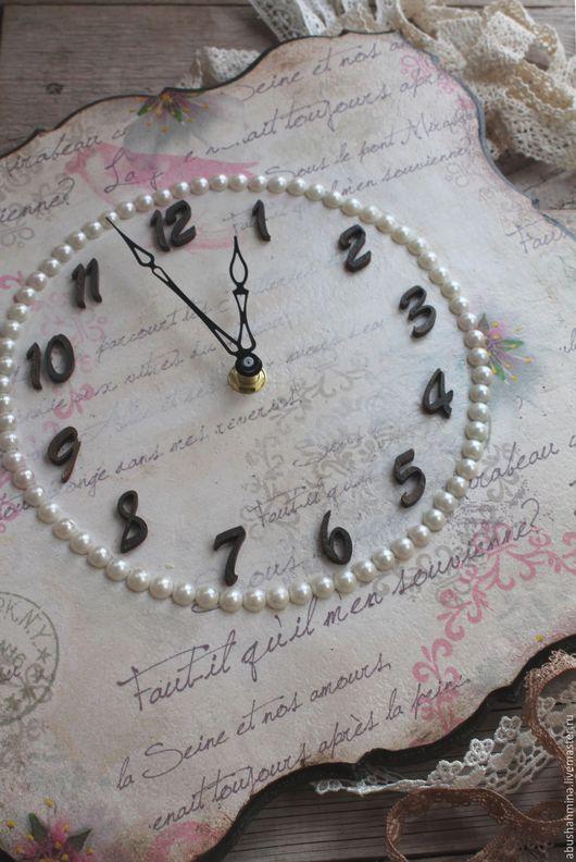 часы настенные декупаж, Марина  Абушахмина, подарок на свадьбу, подарок маме, часы в детскую, часы в спальню, винтаж, нежность, серо-розовый, жемчуг, акварель