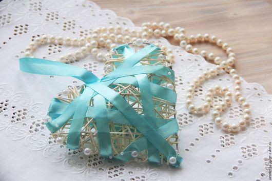 Подарки на свадьбу ручной работы. Ярмарка Мастеров - ручная работа. Купить Сердце из ротанга с атласными лентами и бусинами большое. Handmade.