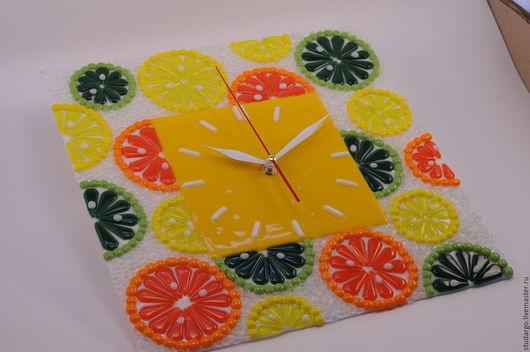 """Часы для дома ручной работы. Ярмарка Мастеров - ручная работа. Купить Часы настенные""""Цитрусовый фреш""""(фьюзинг). Handmade. Подарок, подарок на свадьбу"""