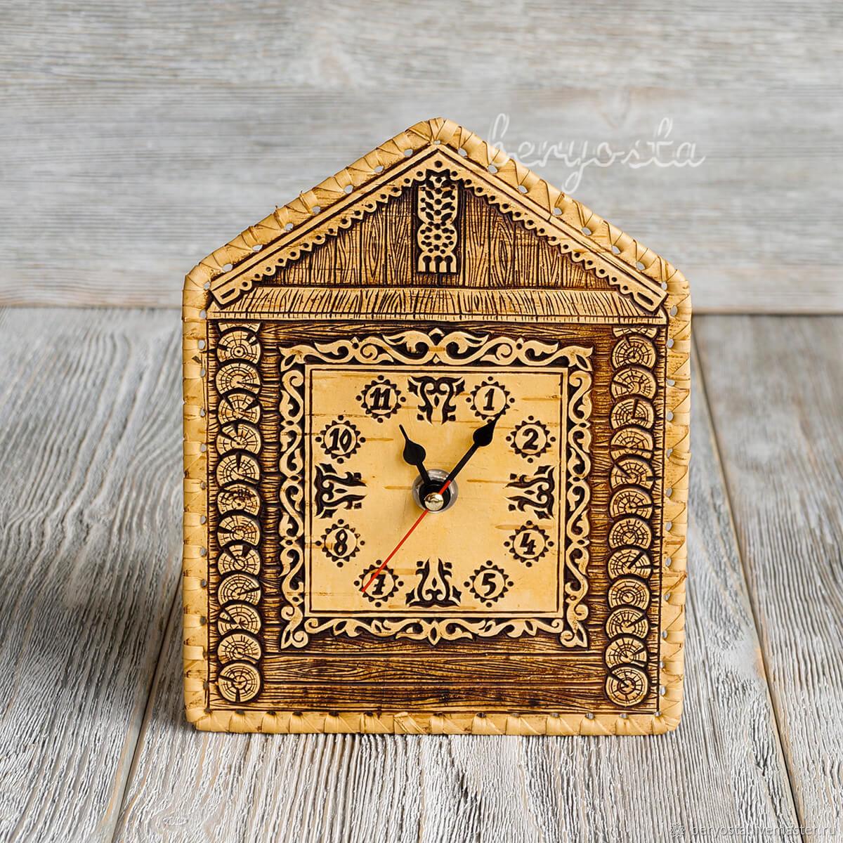 Часы на стену Домик. Декоративные кварцевые часы из бересты, Часы, Новосибирск, Фото №1