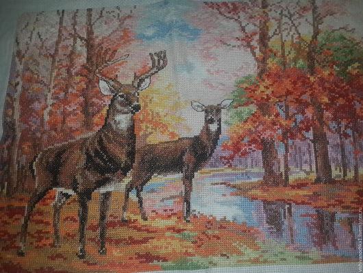Животные ручной работы. Ярмарка Мастеров - ручная работа. Купить Олени в осенним лесу. Handmade. Картины для интерьера, Вышивка крестом