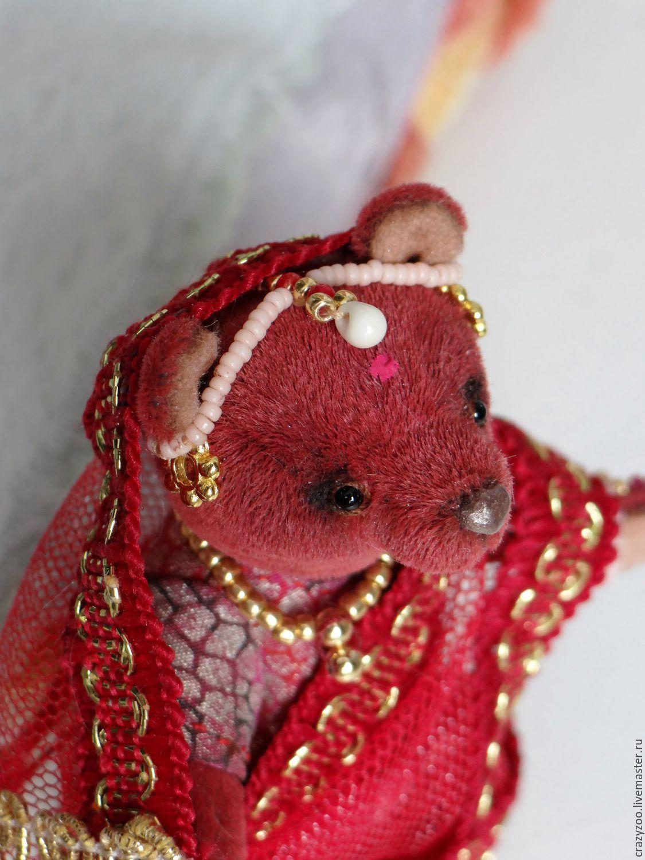 Миниатюрную индианку