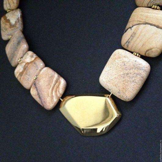 Колье, бусы ручной работы. Ярмарка Мастеров - ручная работа. Купить Колье из песочной яшмы с золотым элементом. Handmade. Бежевый