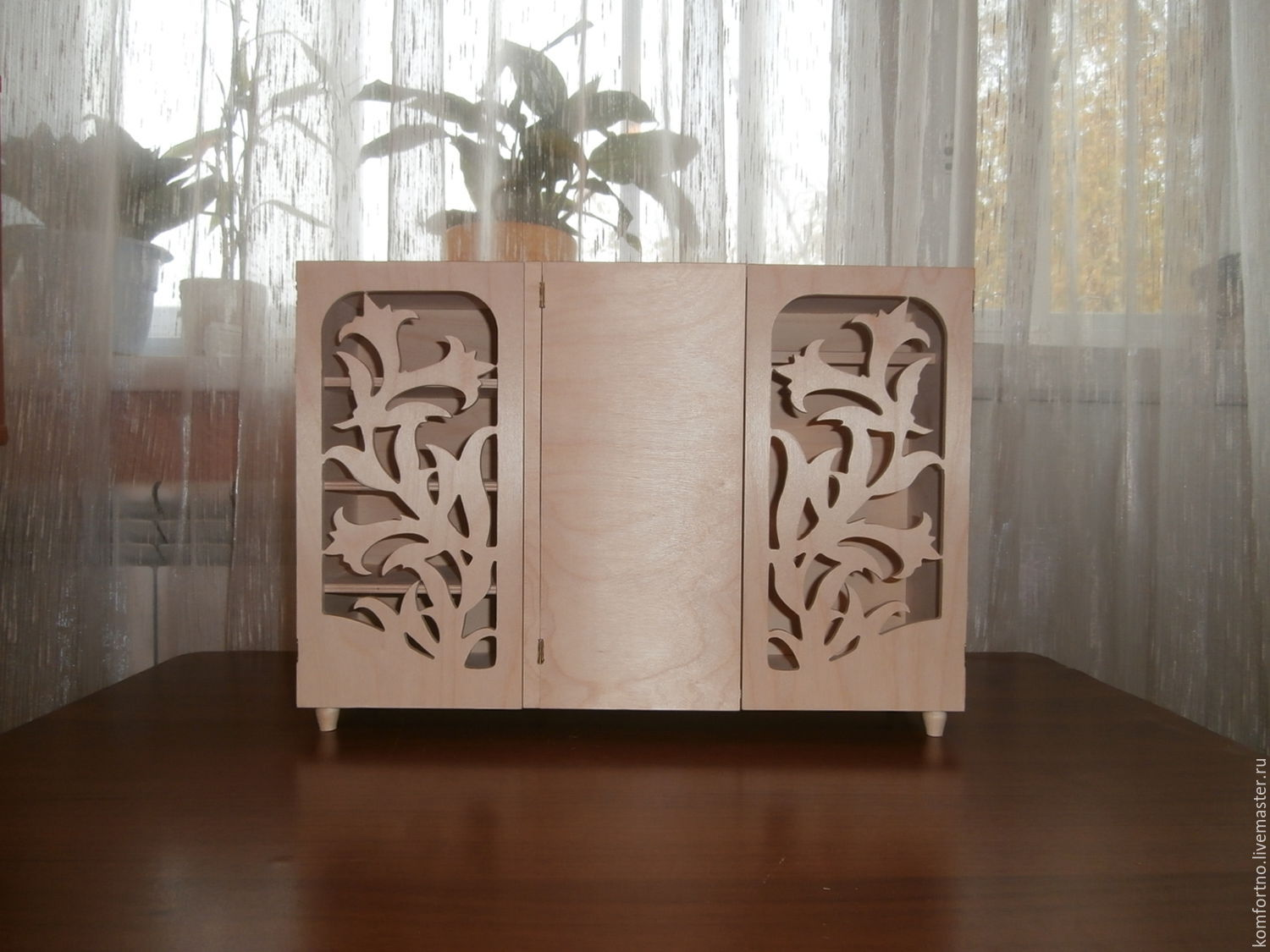 A doll's wardrobe `Lilies`. Blank for decoupage and painting.