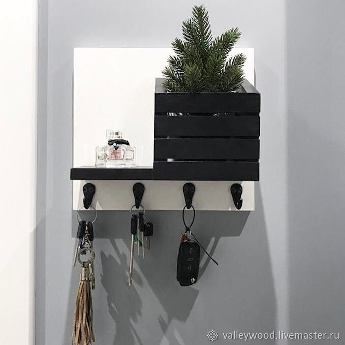 Housekeeper wall-mounted black and white, Housekeeper, Tolyatti,  Фото №1