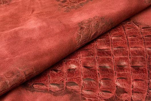 Итальянская замша натуральная. Под рептилию. Бордовая, толщина 0,8мм, цена 25 руб за дм2