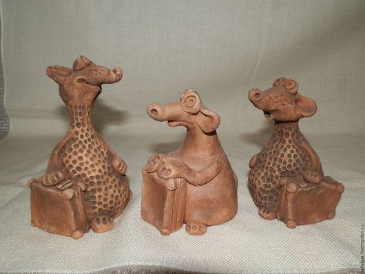 Миниатюра ручной работы. Ярмарка Мастеров - ручная работа. Купить фигурка мышка путешественница керамика. Handmade. Коричневый, фигурки из глины