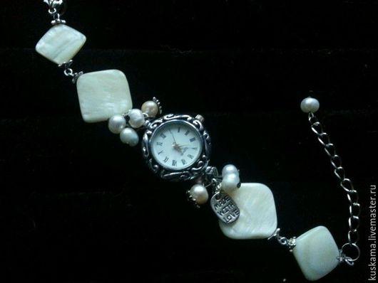 Часы ручной работы. Ярмарка Мастеров - ручная работа. Купить Лунный свет. Handmade. Белый, часы, Натуральный жемчуг, перламутр