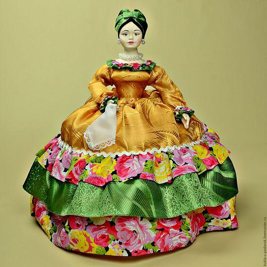 Кухонное украшение аксессуар для чая, чаепитие в русском стиле Подарок кукла Купчиха грелка на чайник ручной работы . Кукла ручной работы от мастерской `Кукла в Подарок`. Место изготовления - Москва.