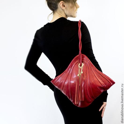Женские сумки ручной работы. Ярмарка Мастеров - ручная работа. Купить Антик мини. Handmade. Ярко-красный, необычная сумка