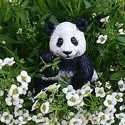 """Украшения ручной работы. Ярмарка Мастеров - ручная работа Брошь из полимерной глины """"Панда"""", медведь, купить брошь в подарок. Handmade."""