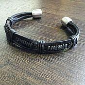 Браслет из бусин ручной работы. Ярмарка Мастеров - ручная работа кожаный браслет с магнитной застежкой. Handmade.